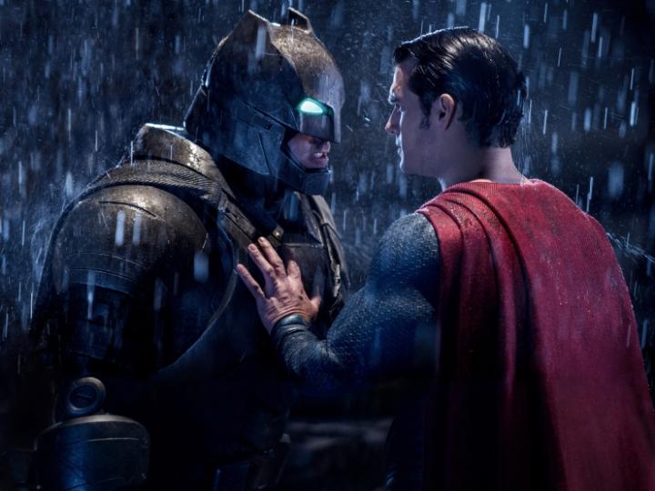 batman-vs-superman-ben-affleck-henry-cavill-e1458649425172.jpg