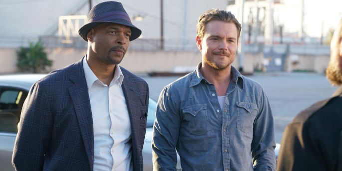 Damon-Wayans-and-Clayne-Crawford-in-Lethal-Weapon.jpeg