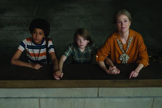 Jaden Michael, Oakes Fegley, and Julianne Moore in WonderStruck.