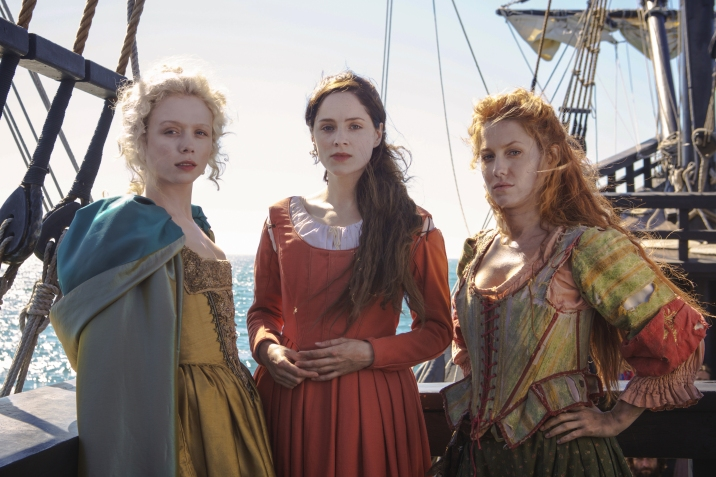Jamestown Series 1 Set Up Sky1 Naomi Battrick as Jocelyn and Sophie Rundle as Alice and Niamh Walsh as Verity © Carnival Film & Television Limited 2017 Credit: Kerry Brown